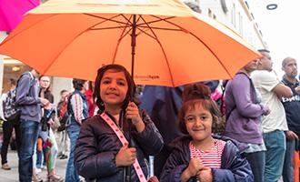 Umbrella March – Solidarität unterm Schirm